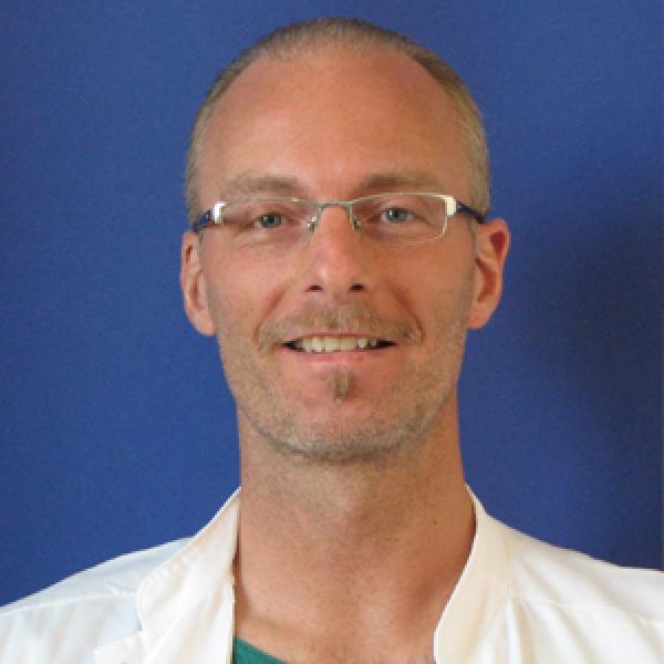 Dr. Per Caye-Thomasen